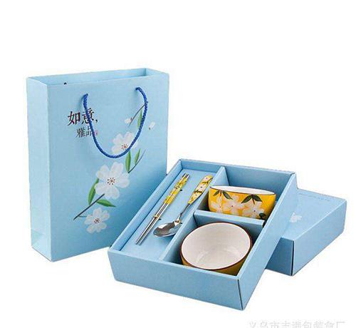 礼品包装盒.jpg